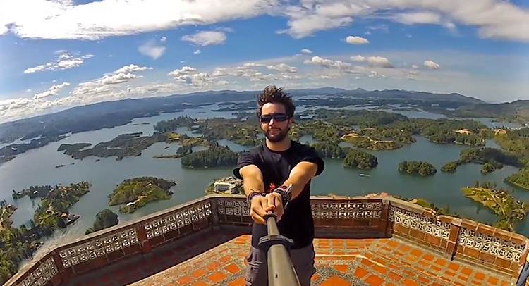 selfie stick 360 alex chacon